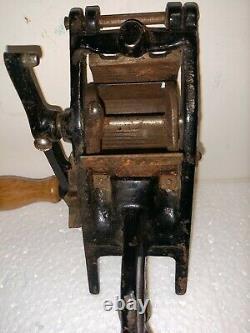 Antique Cast Iron VITANTONIO Cavatelli Gnocchi Pasta Machine Cutter Tool Maker