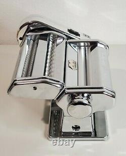 Marcato Atlas Motor and Pasta Machine In EXCELLENT Condition with bonus pasta book