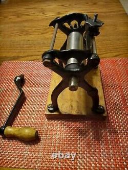 VINTAGE CAST IRON PASTA MACHINE WithHANDLE AND FOUR ROLLERS