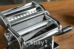 La Machine À Pâtes Atlas 150, Fabriquée En Italie, Comprend Cutter, Hand Crane, Et